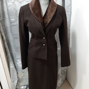 Incredibly Cute tweed suit with removable collar